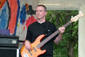 Gordon C. - Bass guitar tutor in